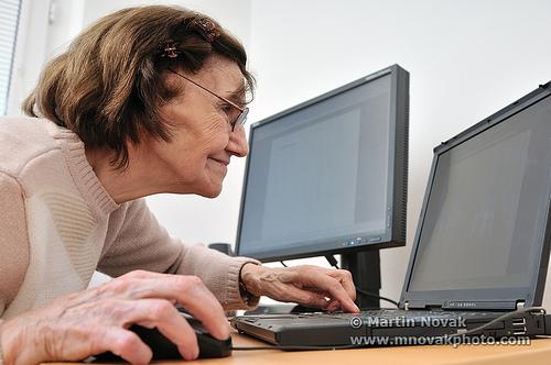 Senior woman with computer/matulio/flickr/Martin Novak