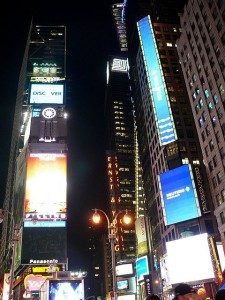 Times Square by night/Monika Szyma/flickr