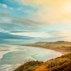 Sunrise over beach at ocean by CubaGallary/flickr